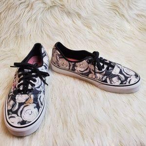 🔥 Vans Black White Roses Sneakers 9.5